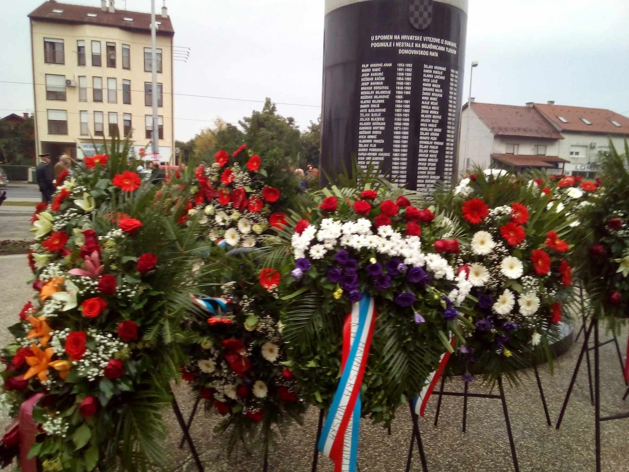spomenik poginulim braniteljima 145. brigade